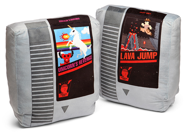 f285_retro_video_game_cartridge_pillow_set